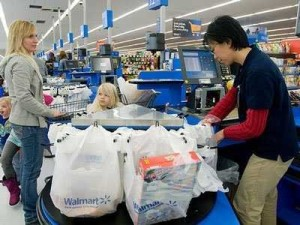 wal-mart-shopping-family-woman